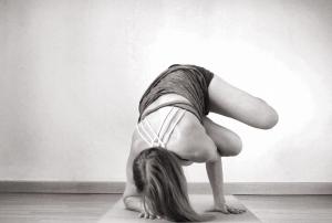claudia clement yoga funky parsva bakasana